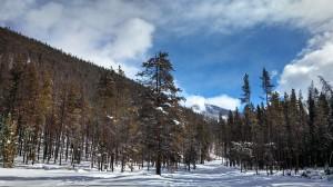 Trail running in winter along the Keystone Resort back side
